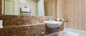 family suite bathroom at the langstone cliff hotel