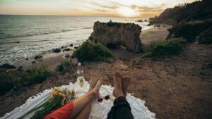 Beach picnic in Devon-min