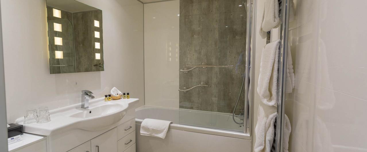 En Suite Bathroom ....