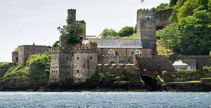 PhotoDartmouth Castle Devon-min