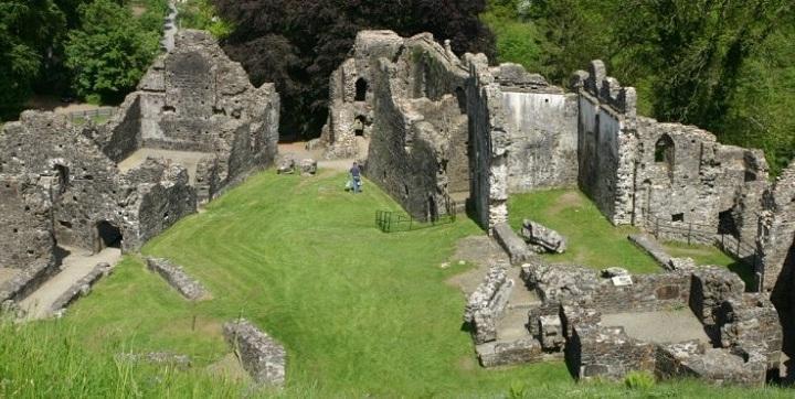 PhotoOkehampton-Castle