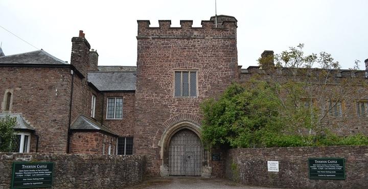 PhotoTiverton-Castle