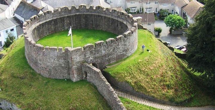 PhotoTotnes Castle Devon-min